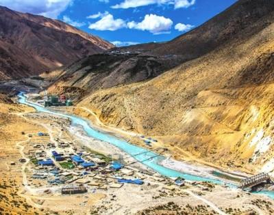 Hilsa Tibet Border